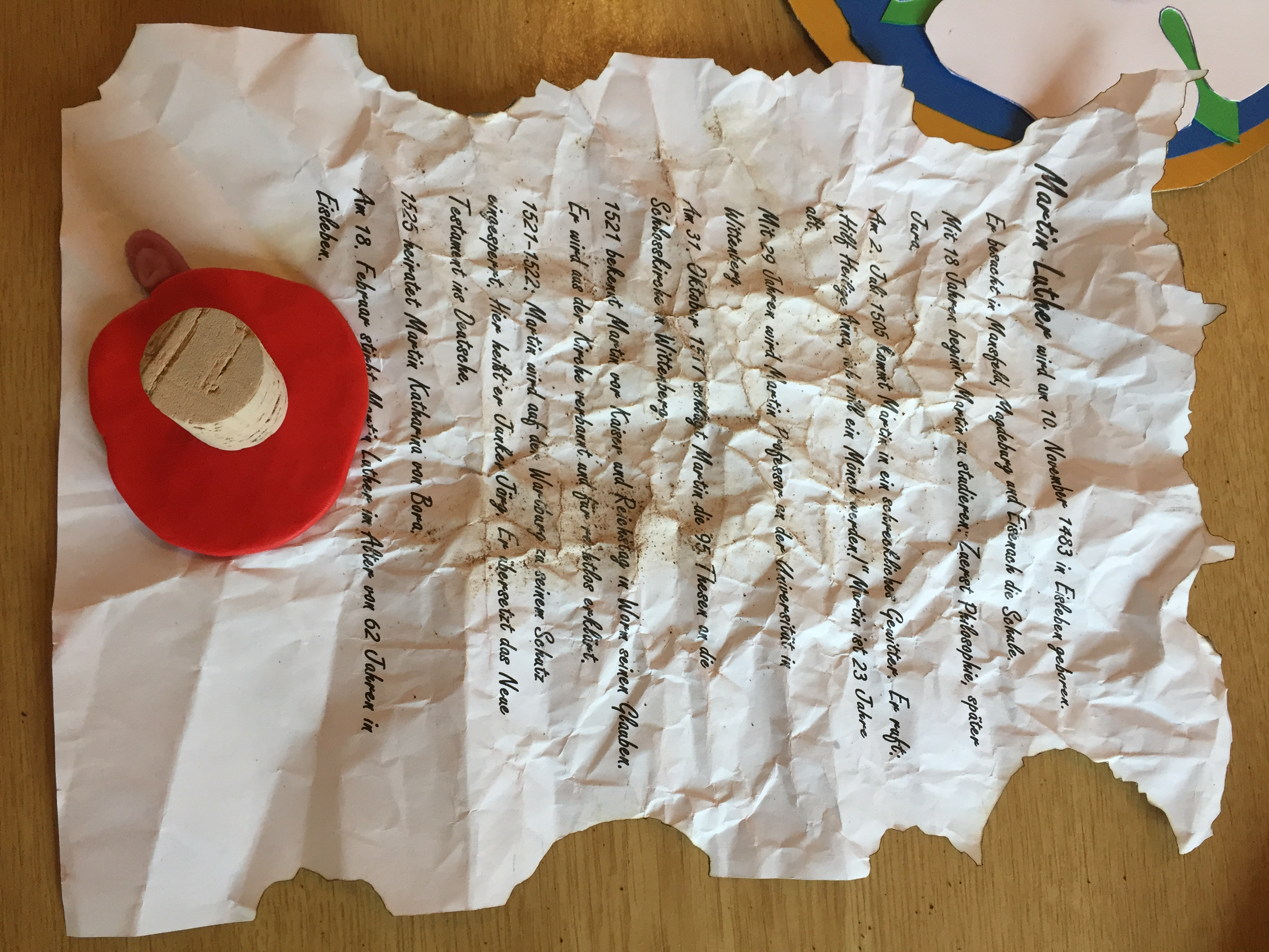 damit der lebenslauf luthers auch glaubwrdig ist musste das blatt papier in kurzer zeit einige jahre lter werden danach noch einen selbst gebastelten - Martin Luther Lebenslauf